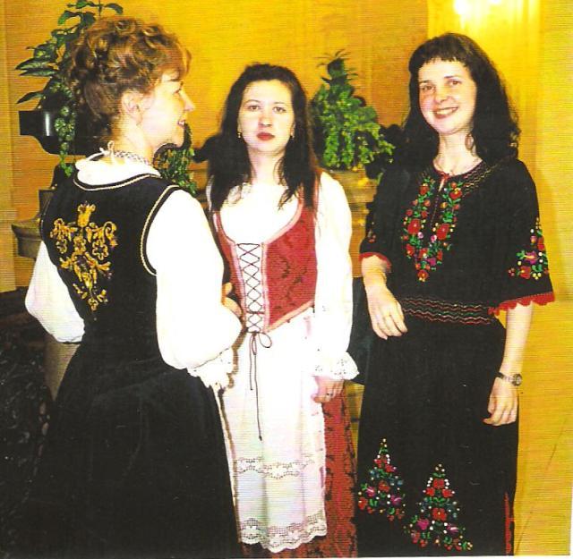 A díszmagyar ruha viselete nemzeti önbecsülésünket erősíti