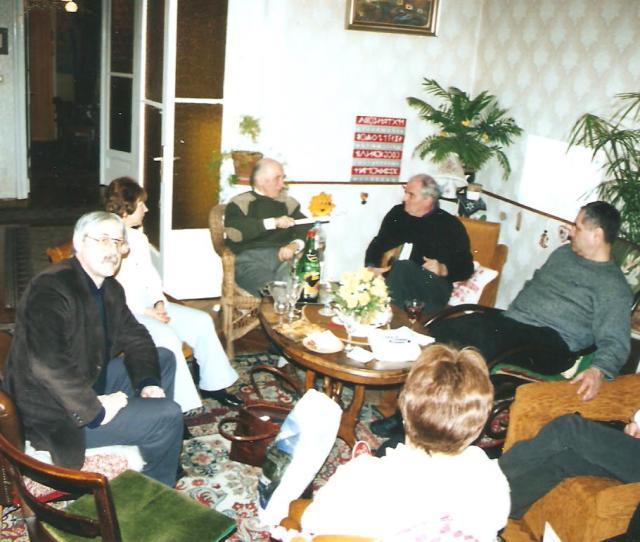 Falvay Károly Makkay János régésszel beszélget körünkben